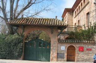 Edifici actual, on hi recordo un Hospital de Sang durant la Guerra. (Prats de Rei-Anoia)