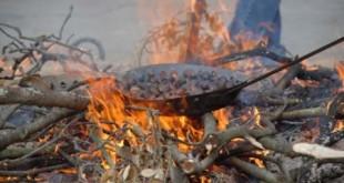 Castanyes torrant-se al foc