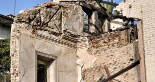 Ruïnes, cases ensorrades